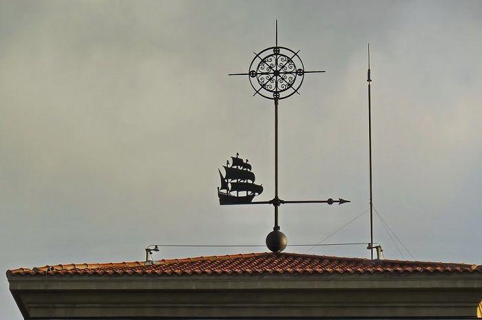 Penangkal petir banyak dipasang di rumah serta bangunan tinggi