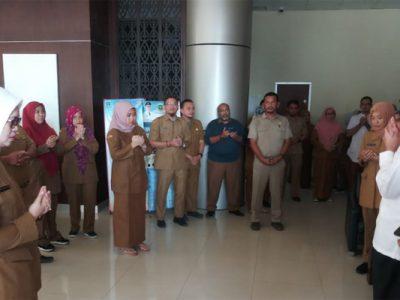 Gubernur Banten Wahidin Halim berkeliling mengunjungi beberapa Organisasi Perangkat Daerah (OPD) pasca-penerapan jam kerja Ramadan. (haryono)