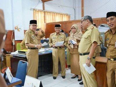 Sidak yang dilakukan Wali Kota Parepare, Taufan Pawe di SKPD terkait kehadiran pegawai