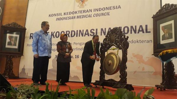 Kemenkes Pastikan Belum Berikan Izin Dokter Asing Kerja di Indonesia | iNews Portal