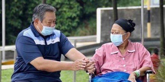 Kerja Senyap Ani Yudhoyono Bangkitkan Perajin Batik di Daerah